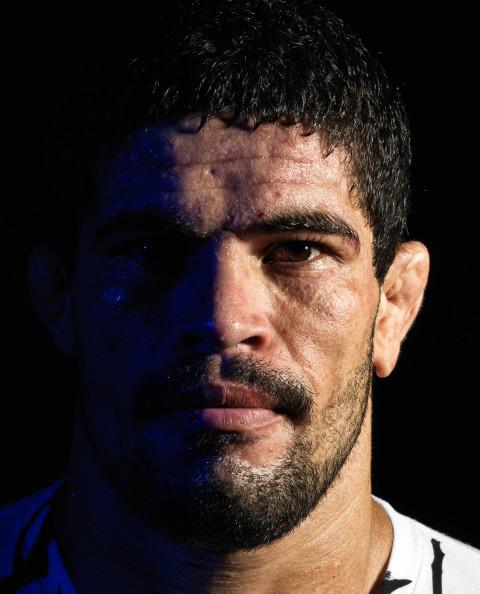 Rousimar_Palhares_UFC88_01_8.5x11_RET
